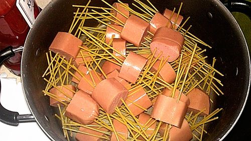Hot dog spaghetti 1